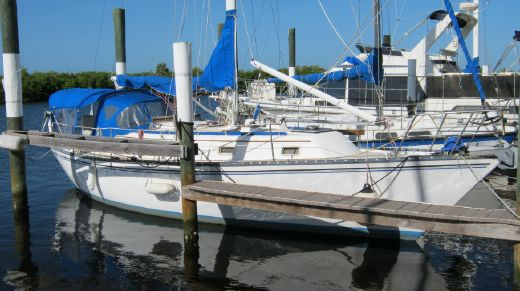 1981 Hunter 37 Shoal Draft