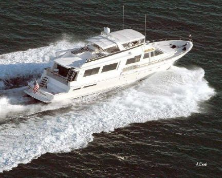 1990 Viking Cockpit Motoryacht