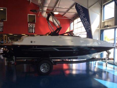 2016 Bayliner 195 Deckboat