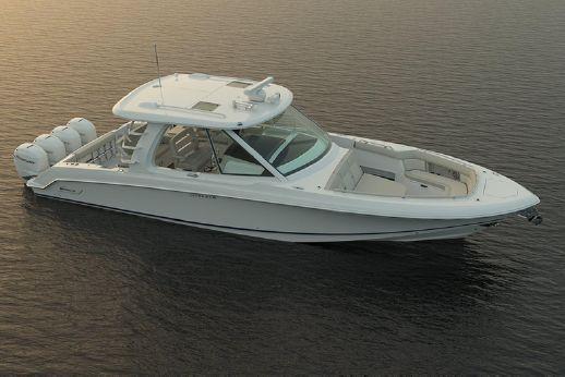 2018 Boston Whaler 380 Realm