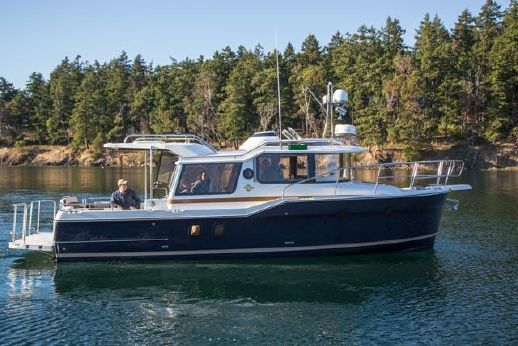 2015 Ranger Tugs R-29 Sedan In Stock