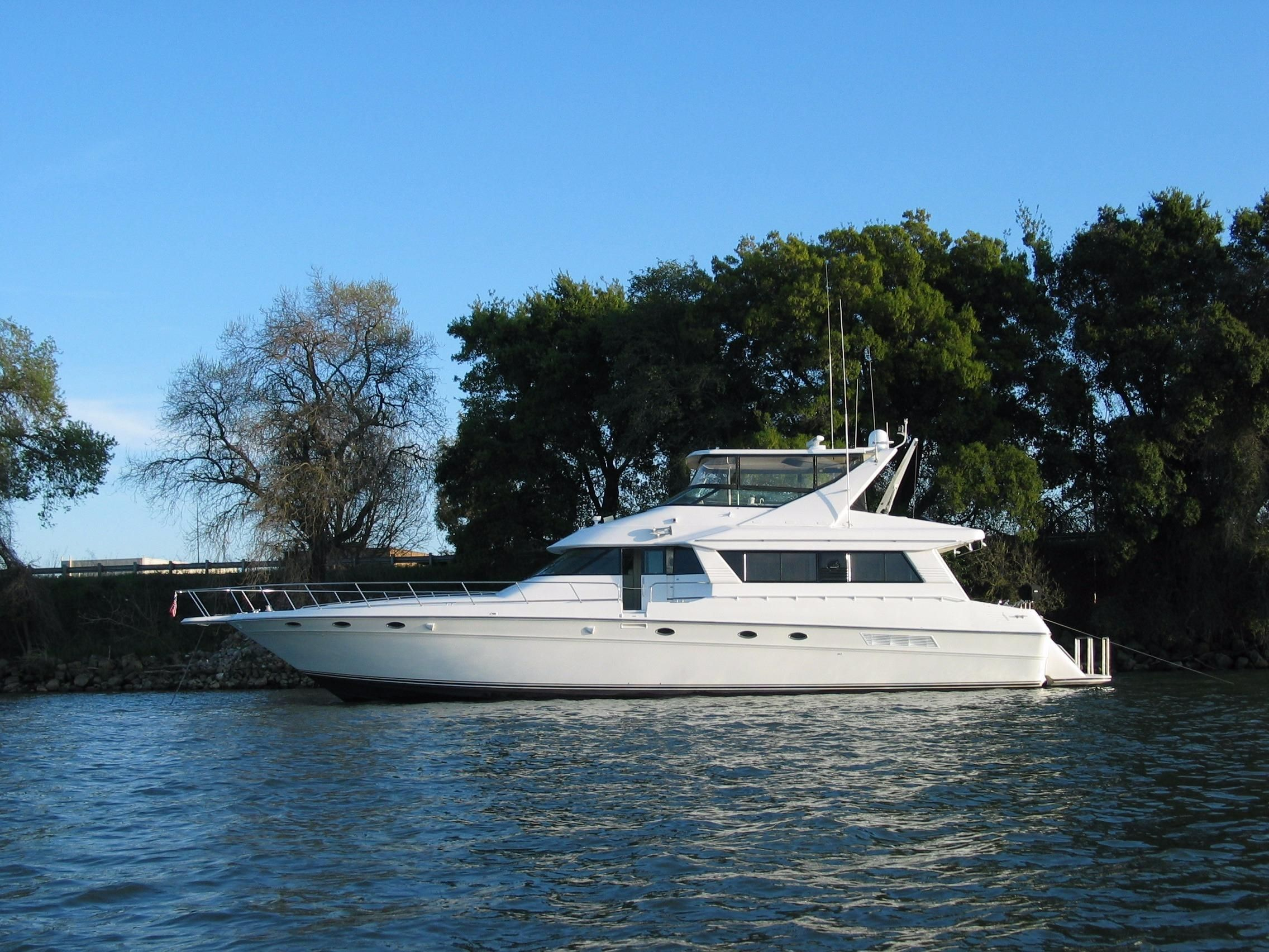 1995 Sea Ray 650 Cockpit Motor Yacht Power Boat For Sale