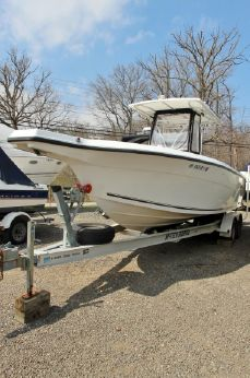 2006 Angler 2700 Center Console