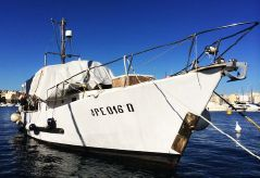 1976 Trawler Yacht