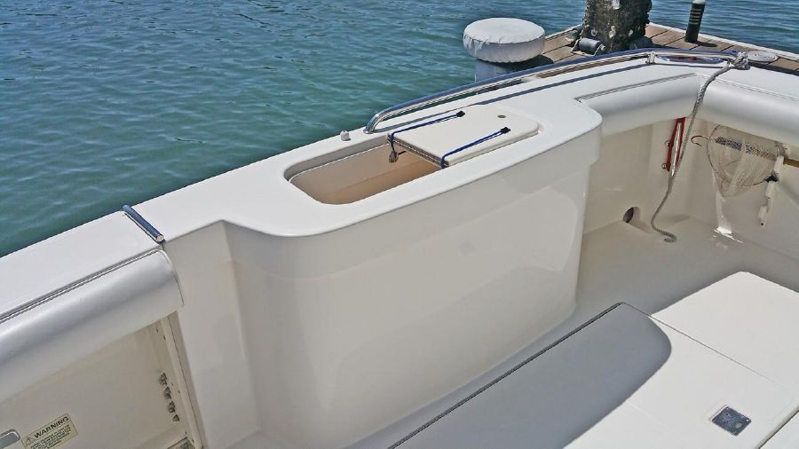 Cabo Yachts 32 Express Flybridge for sale
