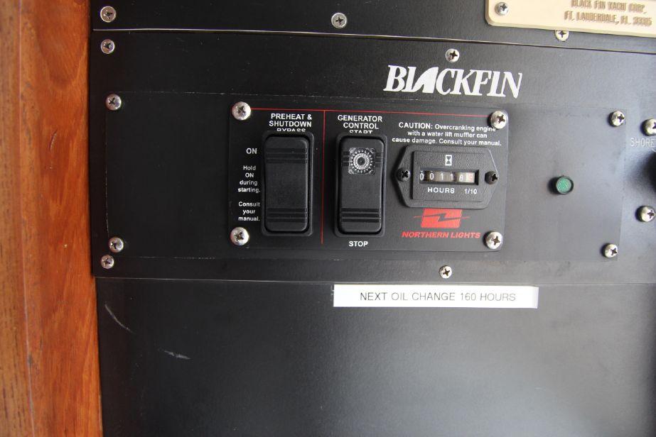 1993 Blackfin 33 Flybridge Power Boat For Sale - www