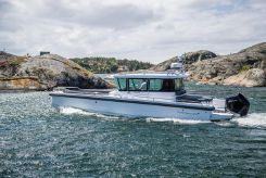 2019 Axopar 28 Cabin with AFT CABIN