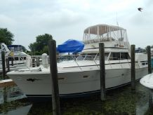 1976 Viking Yachts 43 Double Cabin