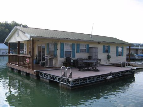 1997 Custom Built 20 x 37 Floating Cottage