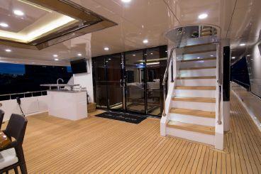 thumbnail photo 2: 2017 Ocean Alexander Tri Deck Motor Yacht