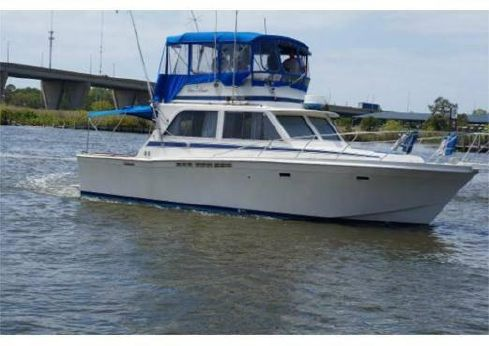 1984 Chris Craft 382 Commander