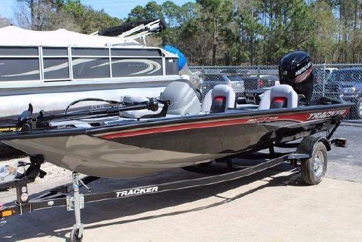 2016 Tracker Marine Pro Team™ 175 TXW