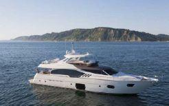 2012 Ferretti Yachts 870