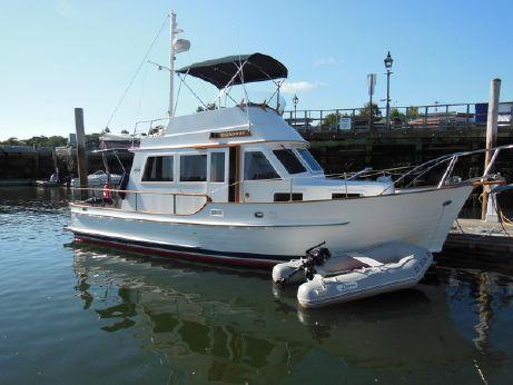 1989 Island Gypsy 32' Trawler