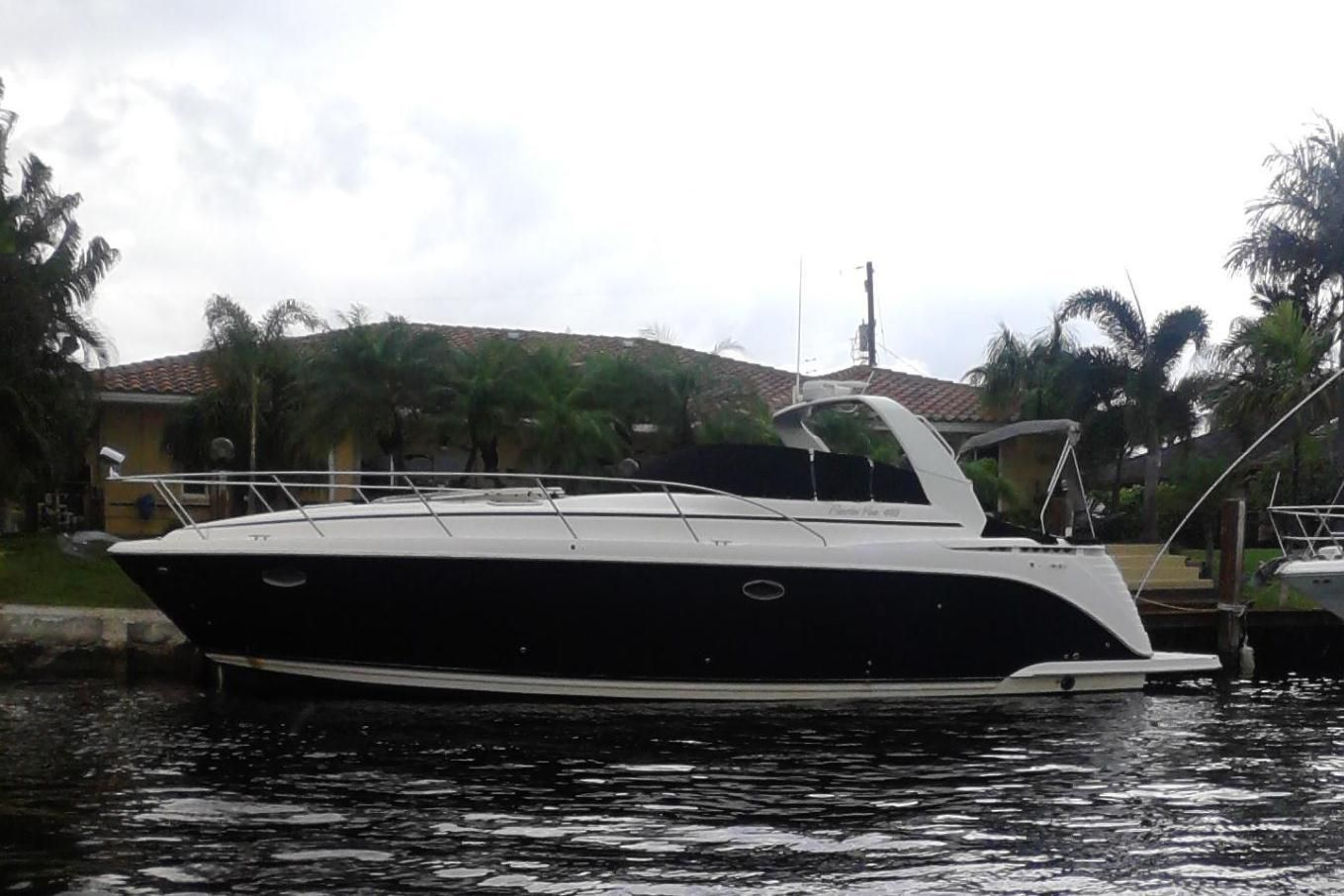 2004 rinker 41 fiesta vee moteur bateau vendre. Black Bedroom Furniture Sets. Home Design Ideas