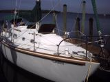photo of 35' Pearson sloop shoal draft
