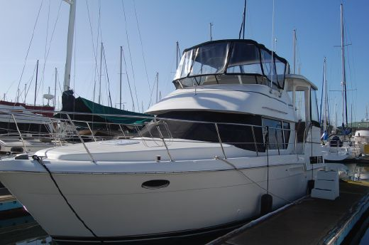 1997 Carver 355 Motor Yacht
