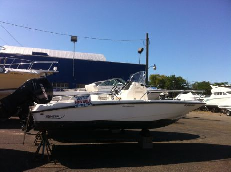 2007 Boston Whaler 200 Dauntless