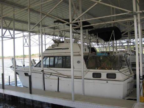 1991 Carver 3207 Aft Cabin