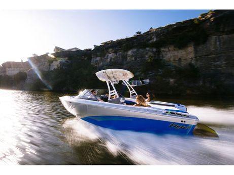 2017 Tige Boat R21
