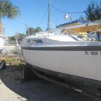 1991 Macgregor 26' Sailboat