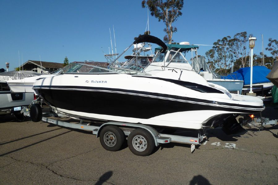 photo of 24' Rinker Captiva 246 BR
