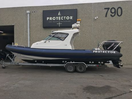 2004 Protector 28 Targa