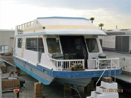 1988 Three Buoys Houseboat