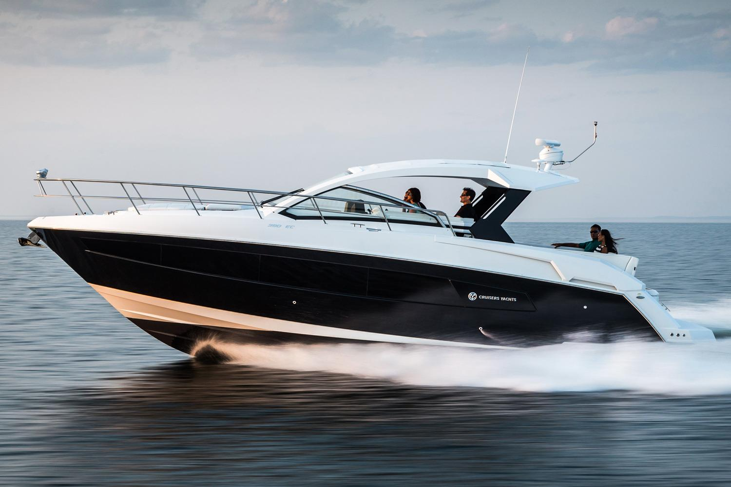 2018 Cruisers Yachts 39 Express Coupe Power Boat For Sale