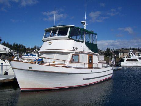 1978 Puget Trawler Tri cabin