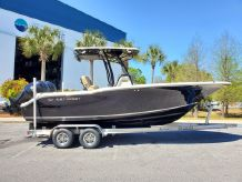 2019 Key West 244 Center Console