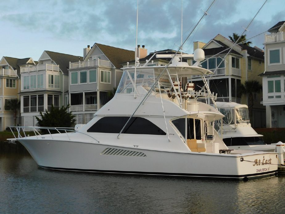 2007 viking 48 convertible w mezzanine