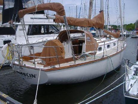 1983 Cape Dory Cutter