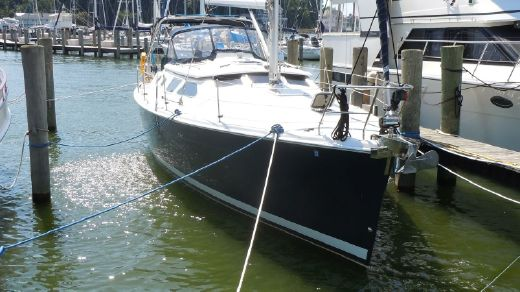 2008 Hunter 41 Deck Salon