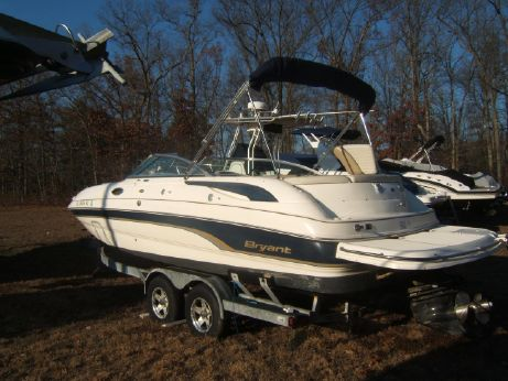 2007 Bryant 236 Deck Boat