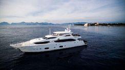 2011 Sunseeker 111 Yacht