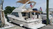photo of 33' Bayliner 3388 Command Bridge Motoryacht