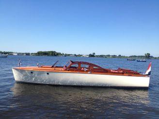 1938 Classic Motorboat 1938