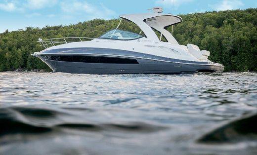 2016 Cruisers Yachts 35 Express