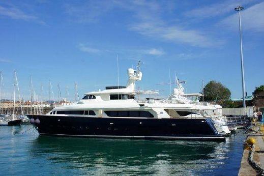 2001 Ferretti Yachts Custom Line Navetta 30