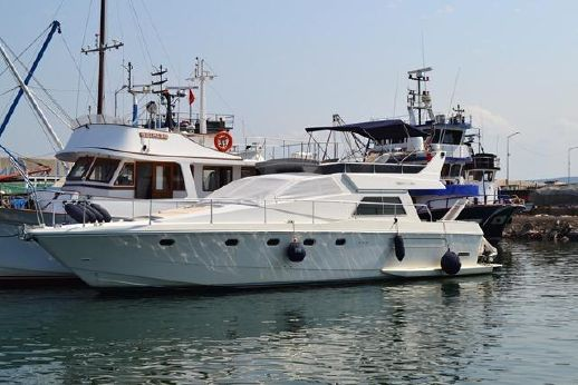1988 Ferretti Yachts 52 S