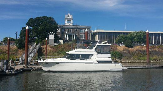 1992 Carver 430 Cockpit Motor Yacht