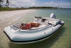 2020 Walker Bay Generation Deluxe 525