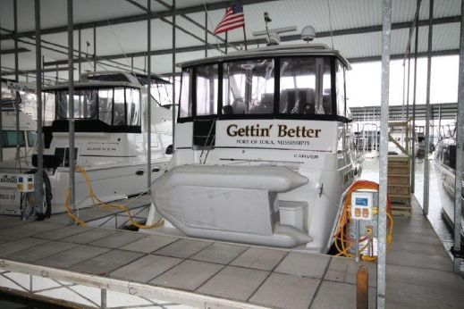 1998 Carver 405 Aft Cabin Motor Yacht