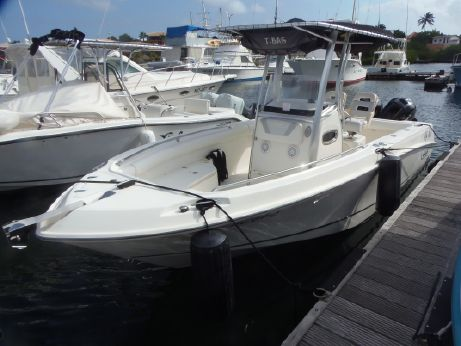 2013 Boston Whaler 220 Outrage
