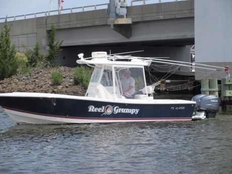 2006 Regulator 26 Center Console