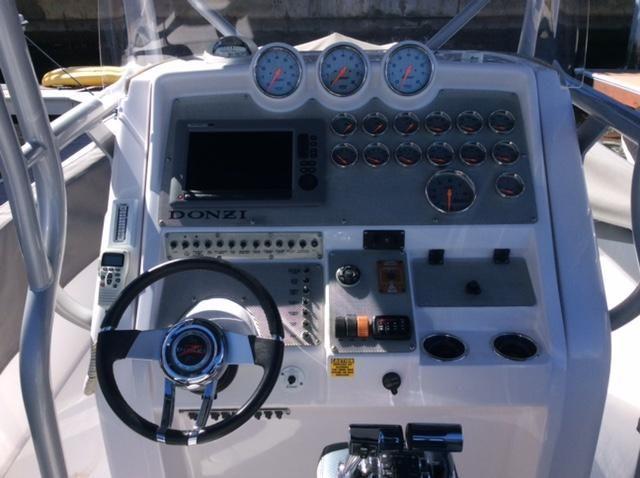 Donzi ZFX38 Helm Electronics
