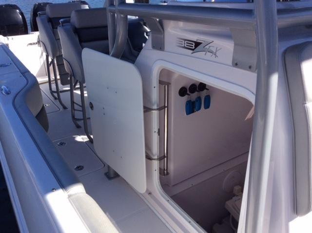 Donzi 38ZFX Head Compartment