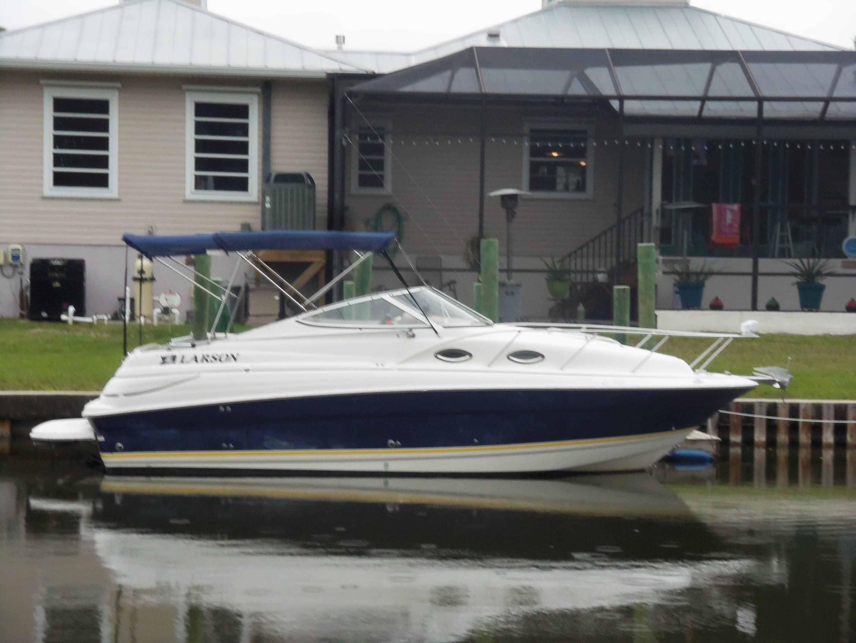 24 ft 2006 larson 240 cabrio mc