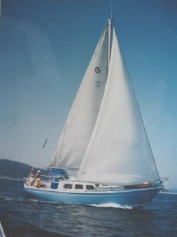 1974 Cal 35 Cruising Sloop Sailboat